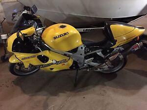 1998 Suzuki tl1000r  vtwin litre bike