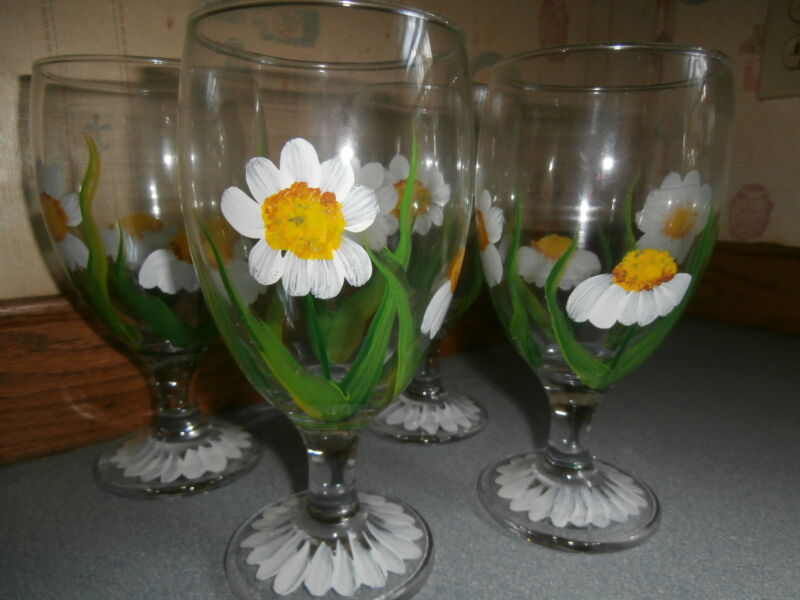 HAND PAINTED  WHITE DAISIES ICE TEA/STEMMED WATER / SET OF 4- 16 OUNCES