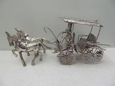 (f76) Kutsche Pferdegespann Metall versilbert HxB ca. 10 x23 cm