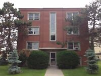 CENTRALLY LOCATED 2 BED NEAR AMENITIES! 7-311 Westdale Ave