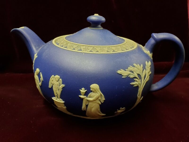 ANTIQUE WEDGEWOOD TEA POT,  Blue Jasperware