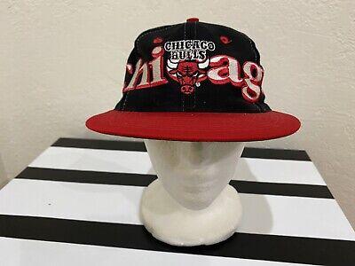 "Vintage 90s ""CHICAGO BULLS"" Logo 7 Big Spellout Logo SnapBack Hat Cap NBA.!!"