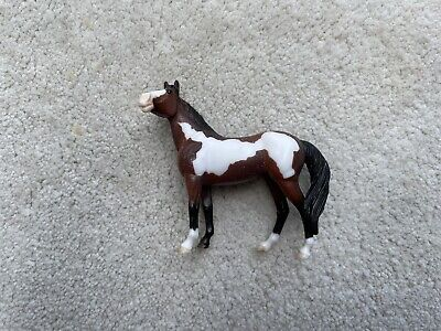 Breyer Stablemate #5941 Mystery Foal Surprise Bay Pinto Standing Stock Horse G3