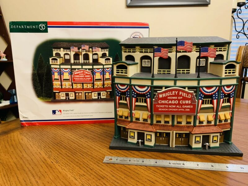 Department 56 Christmas in The City, Lighted WRIGLEY FIELD, Chicago Cubs, MLB