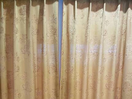 12 pieces of Shinning fabric curtain as Shear or Block out