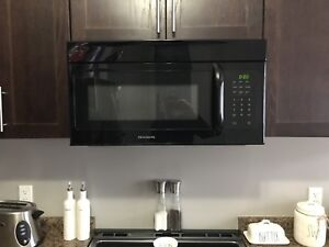 Mint Condition Frigidaire Over the Range Microwave