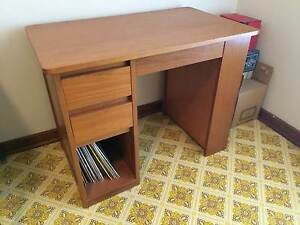 Childs Desk Beaconsfield Fremantle Area Preview
