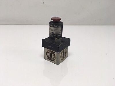 Logus L062bul23 Waveguide Switch 28 Vdc Manual Operation