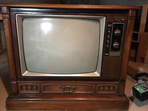 RCA wood cabinet style TV