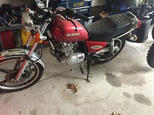 1998 Suzuki gn 125 great starter bike