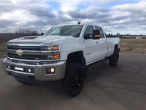 2018 Chevrolet 3500 Leather Lifted Longbox