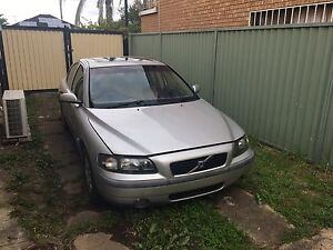 Volvo S60 2001 clean FOR PARTS car for $250 Fairfield Heights Fairfield Area Preview