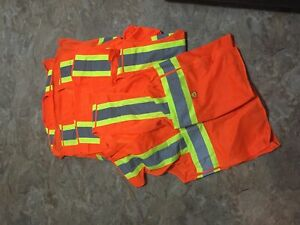 Lot of 5 safety vests