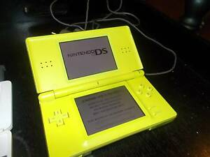 NINTENDO ds lite +6 games Howrah Clarence Area Preview