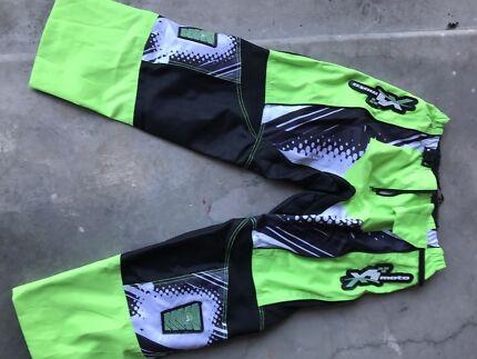 Moto motor cross green pants size 38