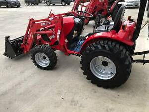 TYM T313 30hp Tractor with 4in1 Front end Loader, Hydrostatic Pakenham Cardinia Area Preview