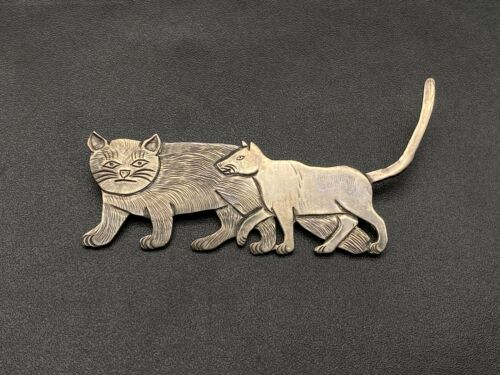 Vintage Navajo Clarence Lee Two Cats Handmade Sterling Silver Brooch Pin