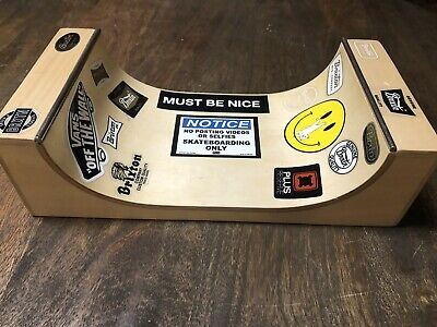 2011 Spin Master Tech Deck Fingerboard Skate Board WOODEN Ramp, Half Pipe