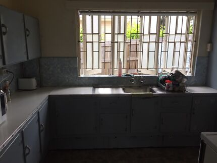 Free kitchen not including sink
