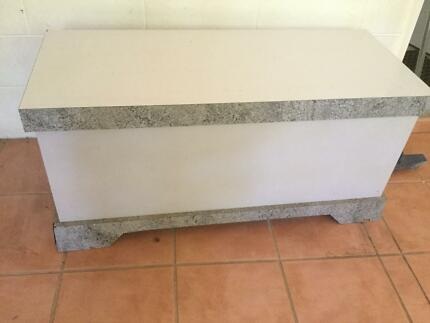 Farrar Furniture. Blanket/storage Box Farrar Furniture S