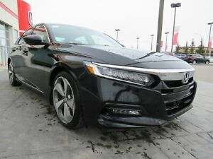 2018 Honda Accord Touring*Leather, Navi, Wireless Charging*