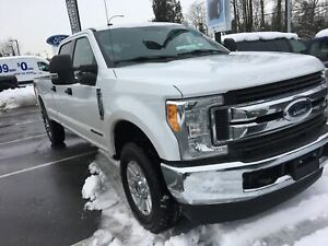 2017 Ford F-350 XLT ACCIDENT FREE, LOCALLY DRIVEN, EX-LEASE