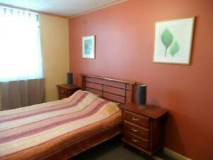 Clean Triple Room to suit a TRAVELLING Group of 3 in 2BR Flat