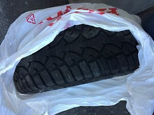 4x 215/50 R17 hiver/winter like new! Aylmer
