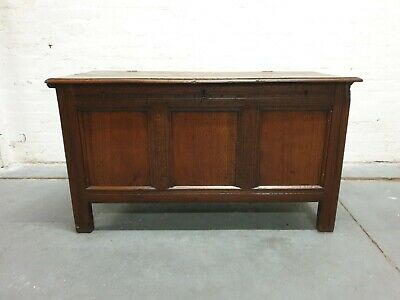 ANTIQUE SOLID OAK COFFER