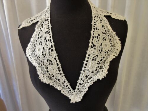 ANTIQUE SCHIFFLI LACE COLLAR FLORAL PATTERN...ANTIQUE WHITE