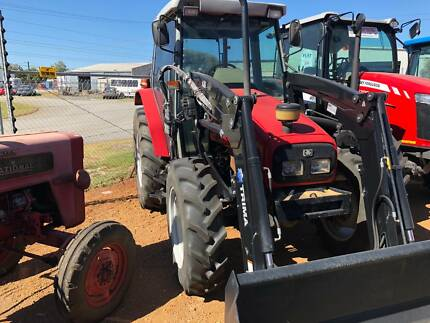 TRACTOR MASSEY FERGUSON 4225 CAB WITH TRIMA S/L LOADER