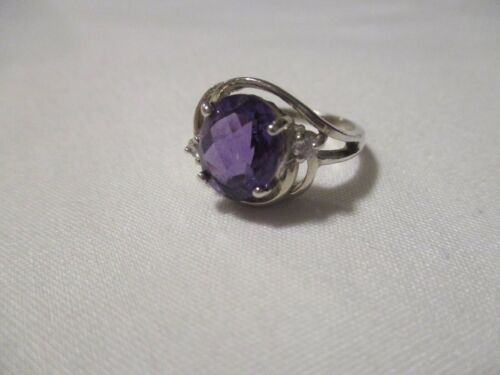 VINTAGE FACETED OVAL AMETHYST AND WHITE TOPAZ STERLING SILVER RING - SZ 6