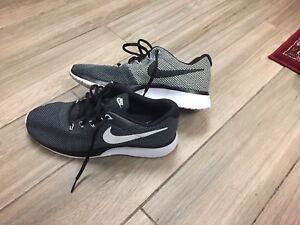 NEW nike running shoes gym shoes
