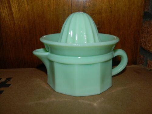Retro Style Jadeite Jade 2pc 1/2 Cup Juicer Reamer Set Green Glass New