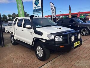 2007 Toyota Hilux 4X4 SR DUAL CAB TURBO DIESEL WHITE MANUAL UTE Lansvale Liverpool Area Preview