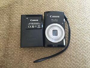 canon powershot digital camera with box and batter charger Edmonton Edmonton Area image 3