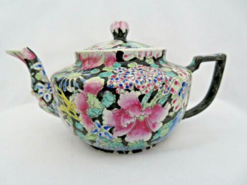 Signed Antique Chinese Porcelain Millefleur 1000 Flowers Teapot for One