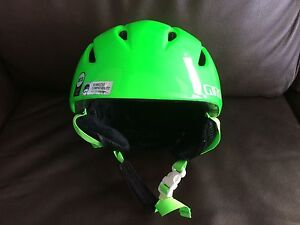 Kids Ski Helmet Giro Launch Cambridge Kitchener Area image 1