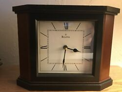 BULOVA Solid Cherry Wood Table/ Mantle/Shelf/ Desk Modern Quartz CLOCK B1881