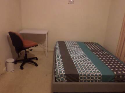 Glen Waverley, Room for Rent
