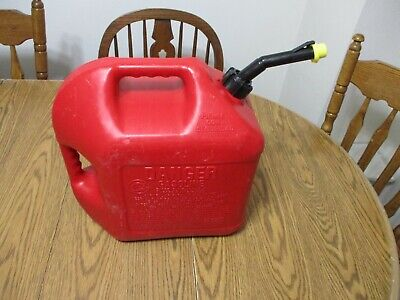 Vintage Pre Ban Blitz 5 Gallon Gas Can Self Venting Fast Pouring Spout And Cap