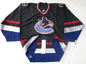 VANCOUVER-CANUCKS-AUTHENTIC-HOME-TEAM-ISSUED-REEBOK-6100-HOCKEY-JERSEY-SIZE-58