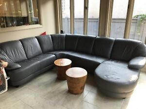 Free leather sectional (very worn)