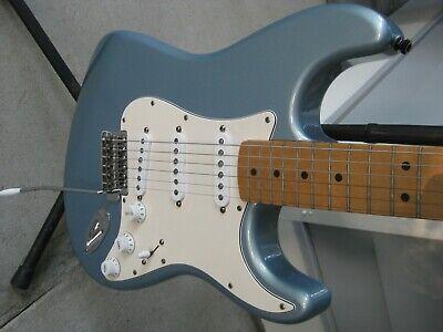 Fender Stratocaster MIM 2003.
