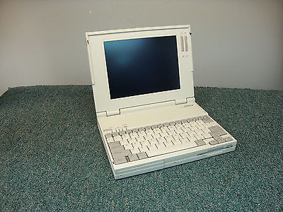 COMPAQ 2810 VINTAGE RARE LAPTOP WHITE BEIGE UNTESTED UNIT FREE SHIPPING in USA