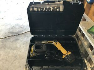 duwalt 7.5 battery screw driver ;with case;45.00