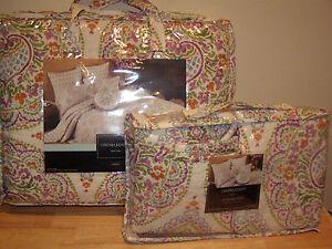 Cynthia Rowley Twin Bedding Set