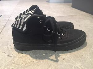 Women's Half Cab Van's (size 7 US) As NEW! Sandgate Brisbane North East Preview