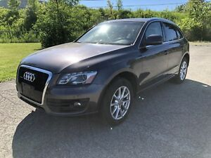 2010 AUDI Q5 PREMIUM QUATTRO FULLY LOADED 1 seul proprio!