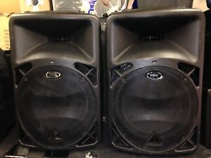 2 x Behringer Eurolive B415 dsp Powered Speakers